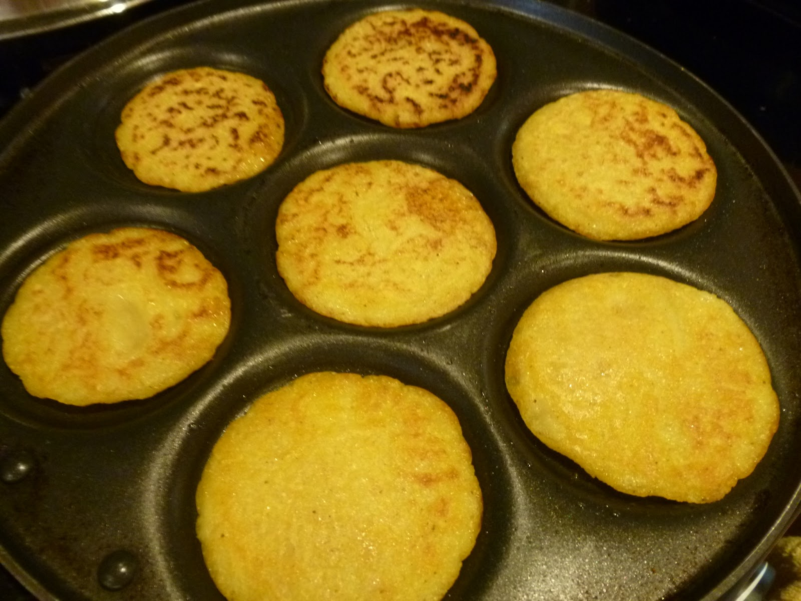 Enjoy indian food american indian jonnycakes or johnycakes for American indian cuisine