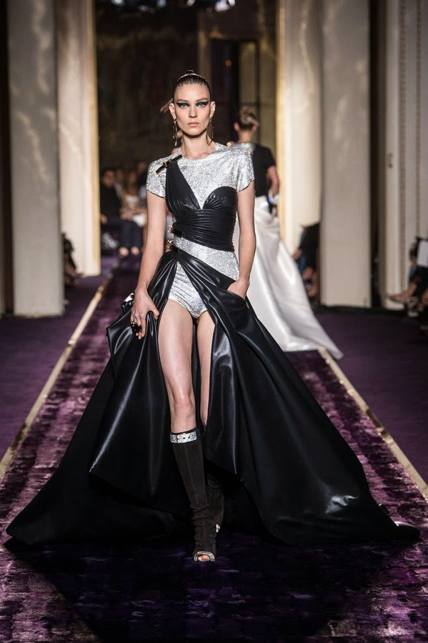 Versace-Atelier-Couture-Fall-Winter-2014, Atelier-Versace-Couture-Fall-Winter-2014, Atelier-Versace-Fall-Winter-2014, Paris-Couture-Week, Atelier-Versace-automne-hiver-2014, Paris-Haute-Couture, online-dresses, ladies-clothes-online, versacebags, versace-glasses, versace-jacket, short-cocktail-dresses, versace-clothing, du-dessin-aux-podiums, dudessinauxpodiums, versace-shirts, mode-fashion, robe-haute-couture