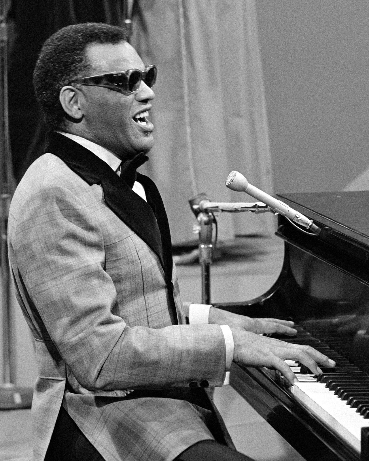 Ray Charles - Living Without You