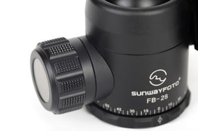 Sunwayfoto FB-28 ball head - Lock knob & Pan base detail