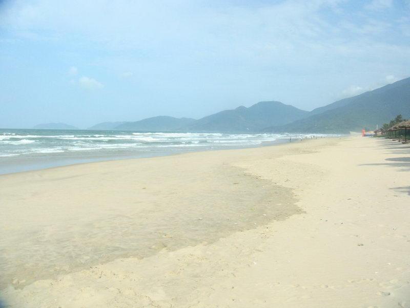 Bãi biển Lăng Cô, Huế