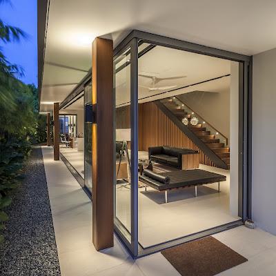 Rumah Minimalis Dengan Fasad Kisi-Kisi 11