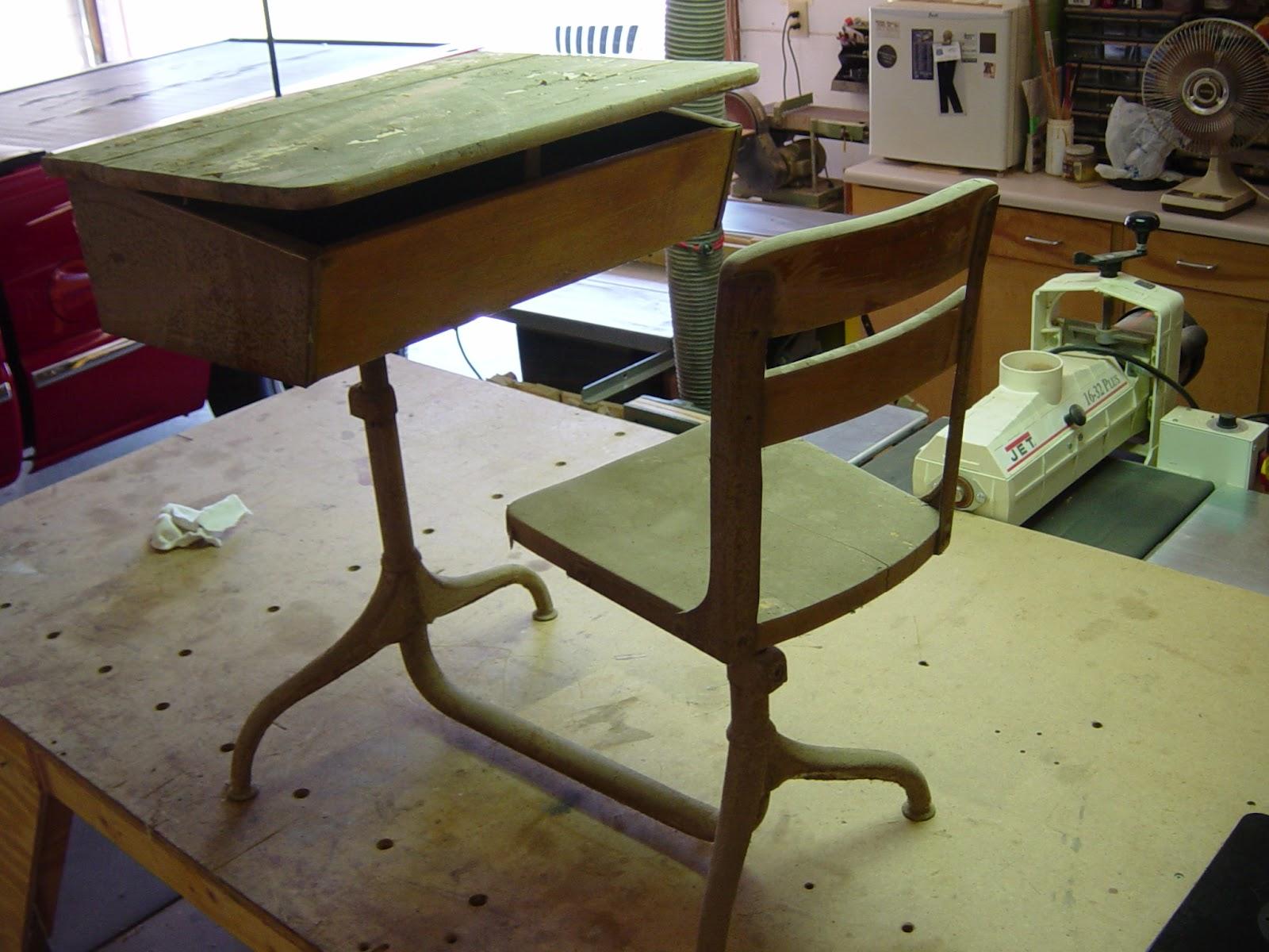SheJunks Old School Desk