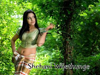 Shehani Wijethunge navel