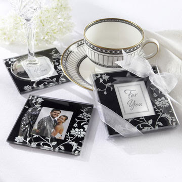 Elegant+Black+%2526+White+Glass+Photo+Coasters