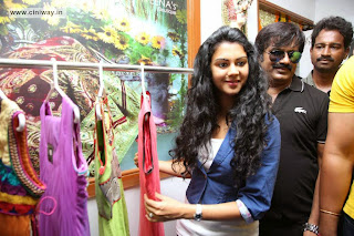 Kamna-Jethmalani-at-Naveena-Clinic-Launch