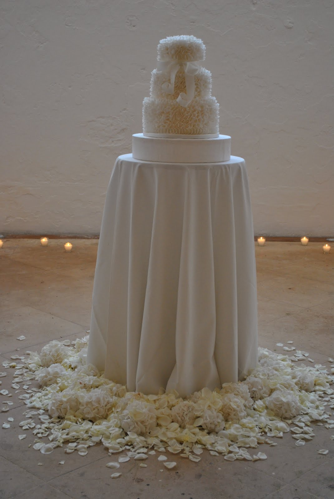 Cake tables on Pinterest