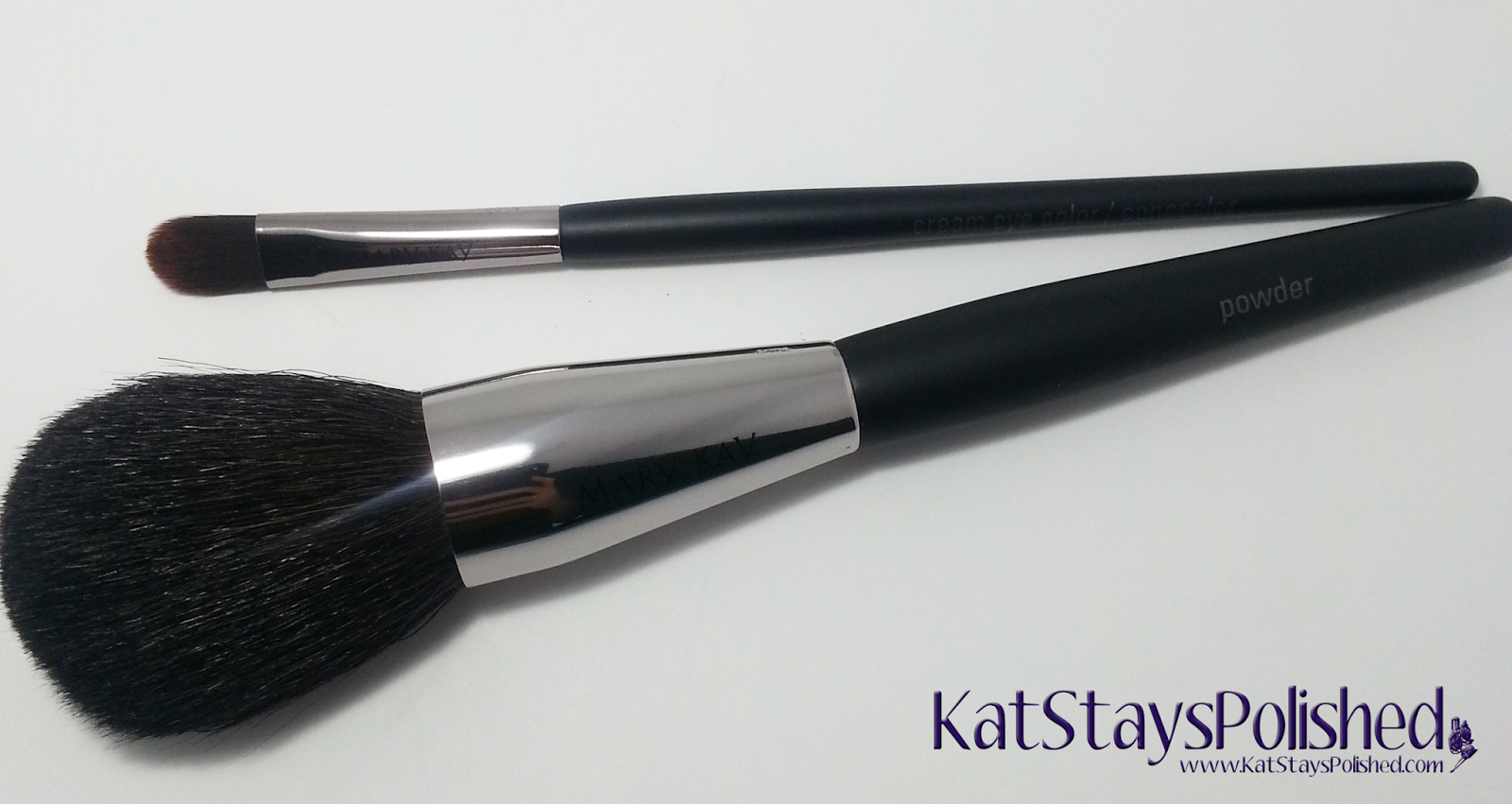 Influenster Mary Kay VoxBox - Powder Brush - Eye Brush | Kat Stays Polished