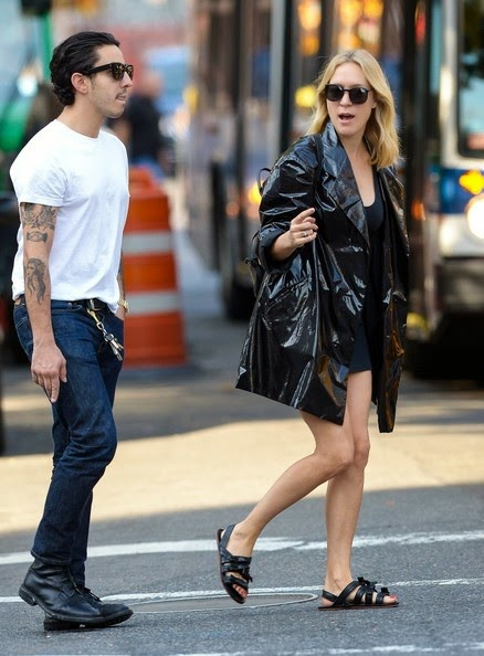 Well, that was very quickly, but the outfit looked rather leading lady from the sound of it. So the sunny New York weather suited for Chloe Sevigny by well to enjoying a stroll with her male friend on Monday, September, 2014.