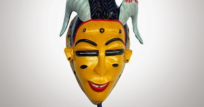 Le masque de lalbumine des oeufs pour la personne des points noirs