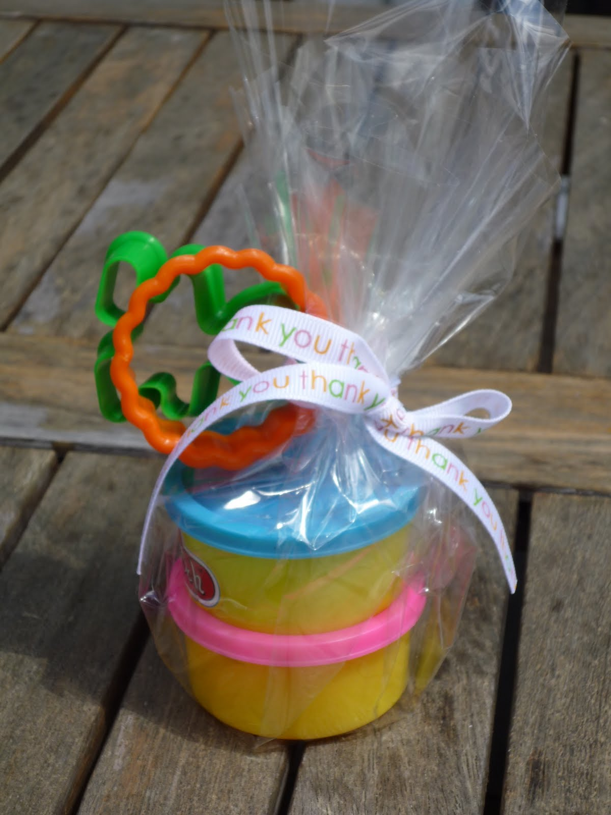 That Cute Little Cake Rainbow Party Favors