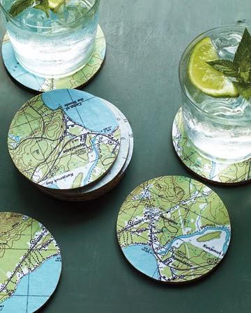 reciclar cds en posavasos con mapas o atlas viejos