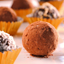 CHOCOLATE COCONUT HEALTHY TRUFFLES