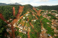 área de deslizamento de terra em Teresópolis, Rio de Janeiro - 12/01/2011