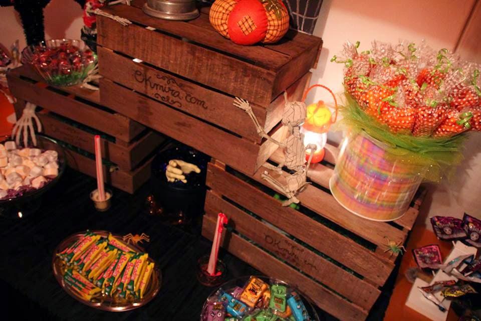 Mesa de halloween okmira