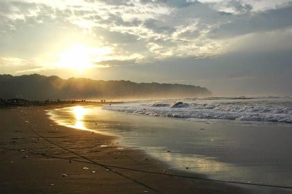 Foto Sunrise di Pantai Parangtritis Yogyakarta, Foto Sunset di Pantai Parangtritis Yogyakarta