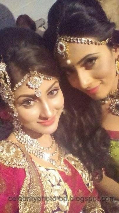 Beauty+Queen+Of+BD+Mehzabien+Chowdhury+With++Bidya+Sinha+Saha+Mim+Photos002