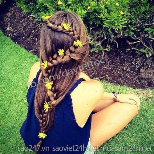 Cách tết tóc đính hoa đẹp 'mê li'