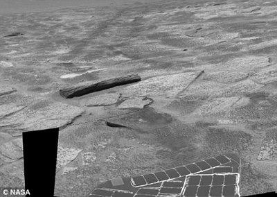 Penemuan Gua misterius dan Balok Kayu di Mars