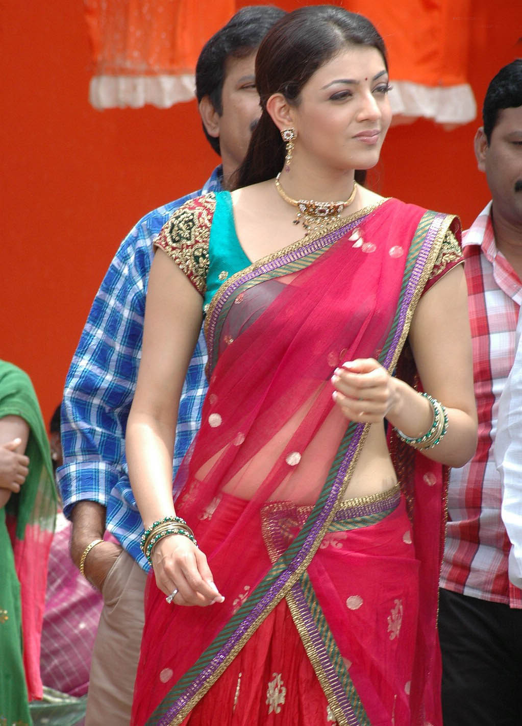 Kajal Agarwal Hot In Saree Worlds Bollywood