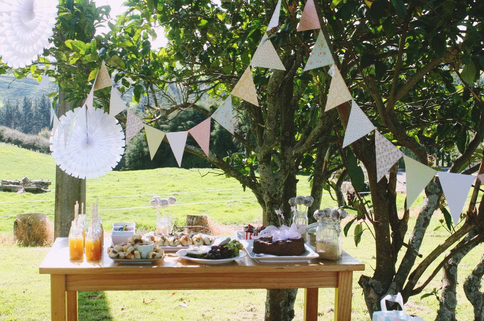Garden party ideas design or breakfast - Decorations de jardin ...