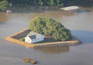 melindungi rumah dari banjir