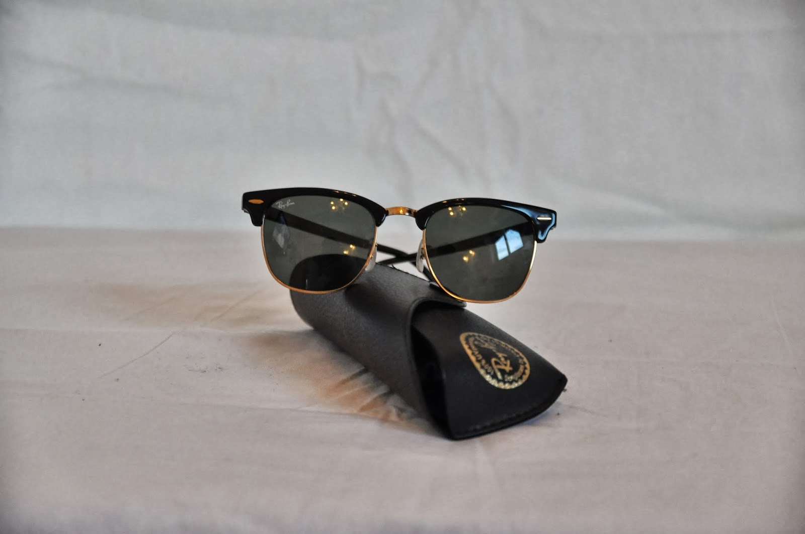black and gold aviators  Black And Gold Ray Ban Aviators Celebrities