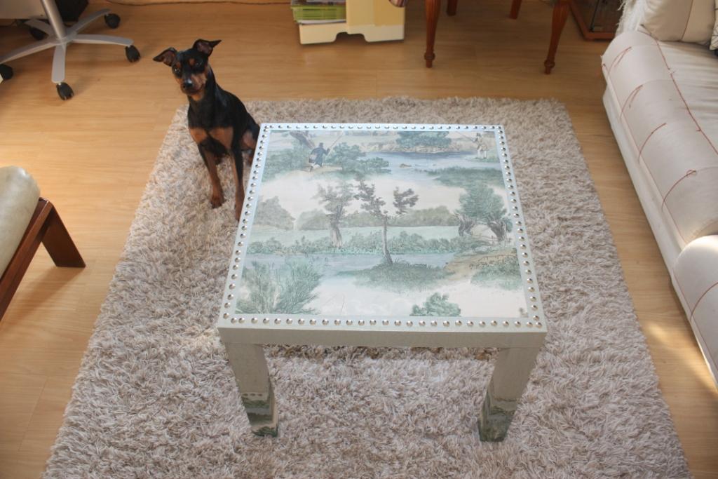 Ikea hack la mesa mesa lack con chinchetas y papel de fer - Mesa lack ikea medidas ...
