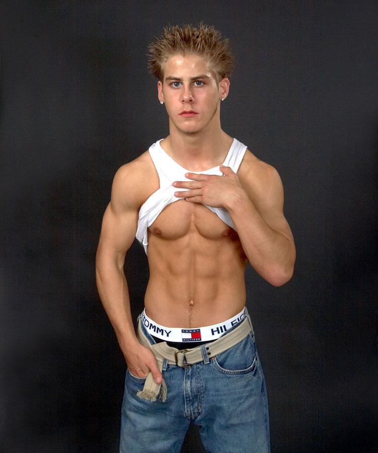 Hot Boys with No Shirt
