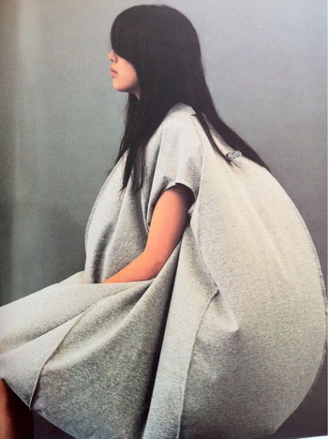 human structure, fashion advangarde, fashion conceptual, ballon dress,