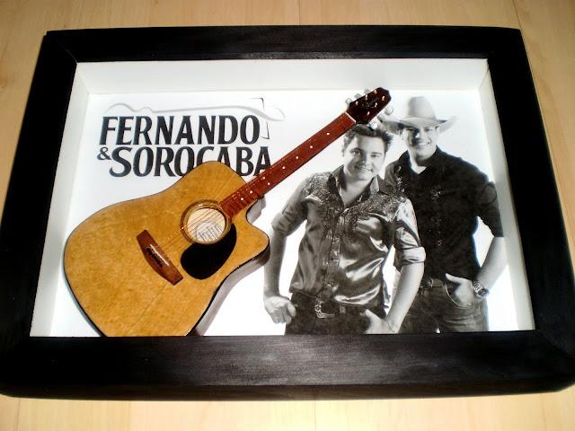 mini violão Fernando e Sorocaba