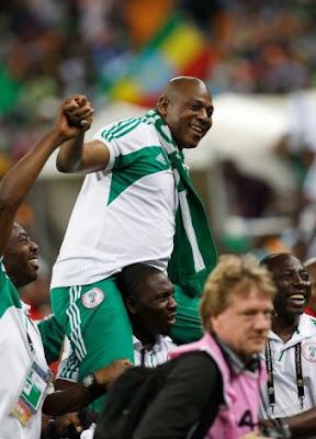 Keshi announces he will continue as Nigeria coach