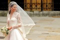 http://www.ziare.com/printul-william/kate-middleton/oameni-obisnuiti-care-s-au-casatorit-cu-membri-ai-familiilor-regale-1222140