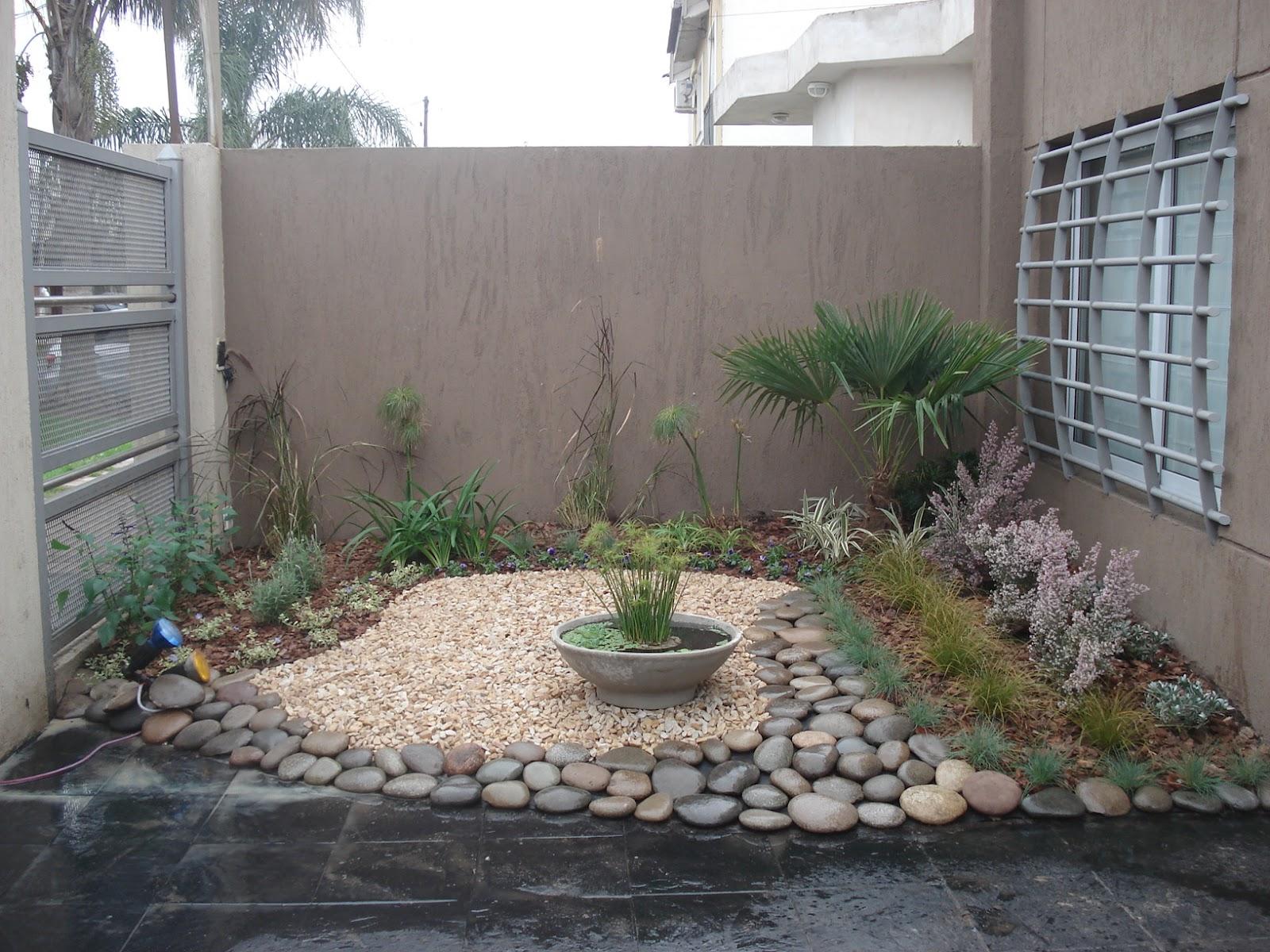 Reverdir jardineria y paisajismo estanque en maceta for Estanques en argentina