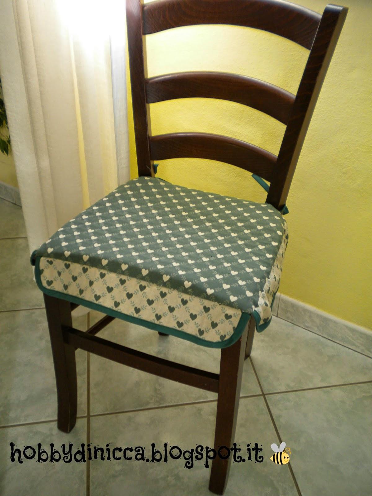 Cuscino per sedie tutorial hobbydinicca for Modelli di sedie per cucina