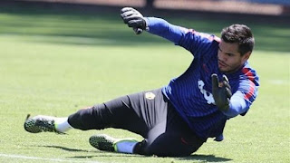Romero gran entrenamiento en Chicago con el Manchester United de Louis Van Gal