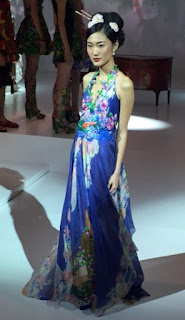 Foto Model Batik Pekalongan Oriental Trend 2016