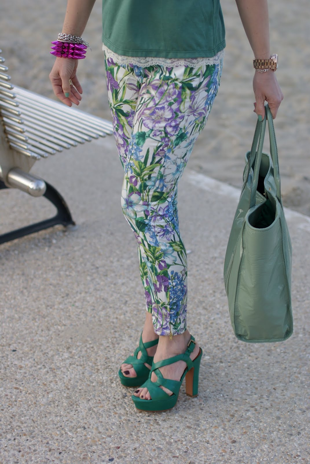 Zara floral pants green outfit | Fashion and Cookies - fashion and beauty blog