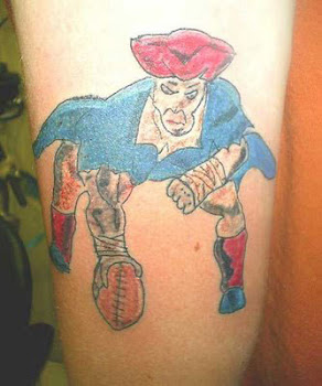 Tatuagem bizarra da semana:
