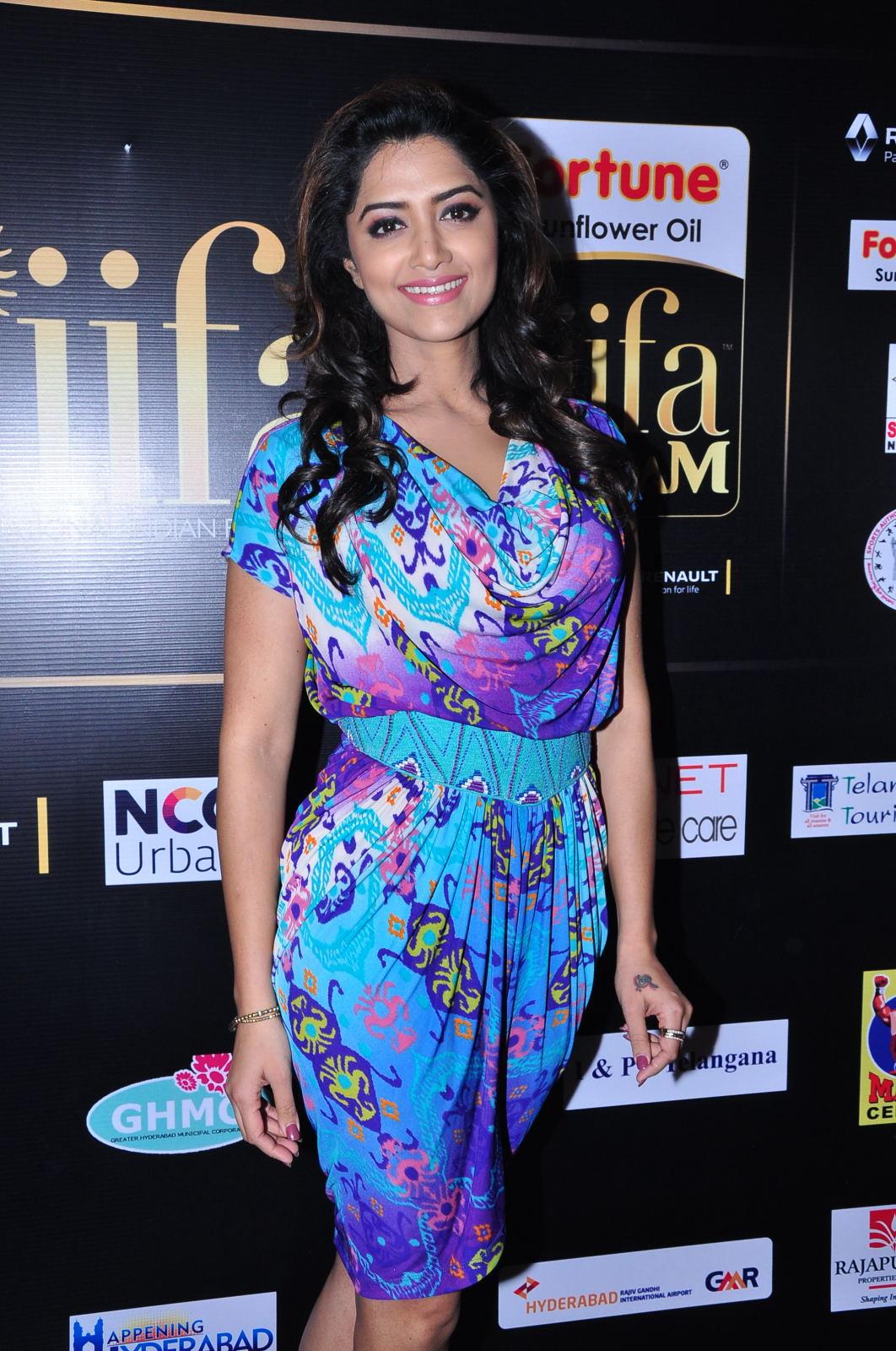 Mamata Mohandas at IIFA Utsavam-HQ-Photo-16