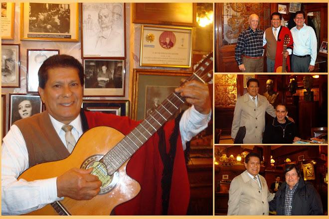 En el Café Tortoni de la Ciudad de Buenos Aires