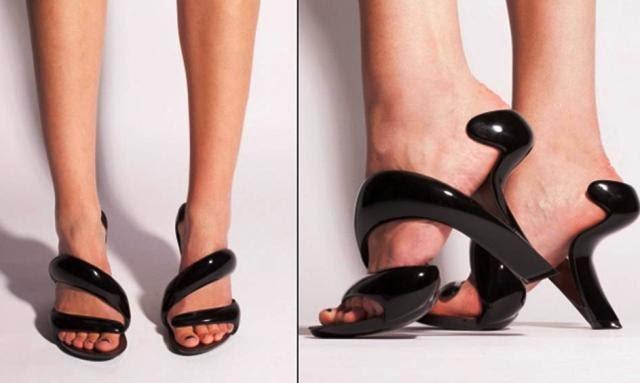 10 Daftar Sepatu Paling Unik serta Aneh di Dunia