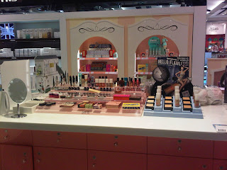 duty free makeup counter