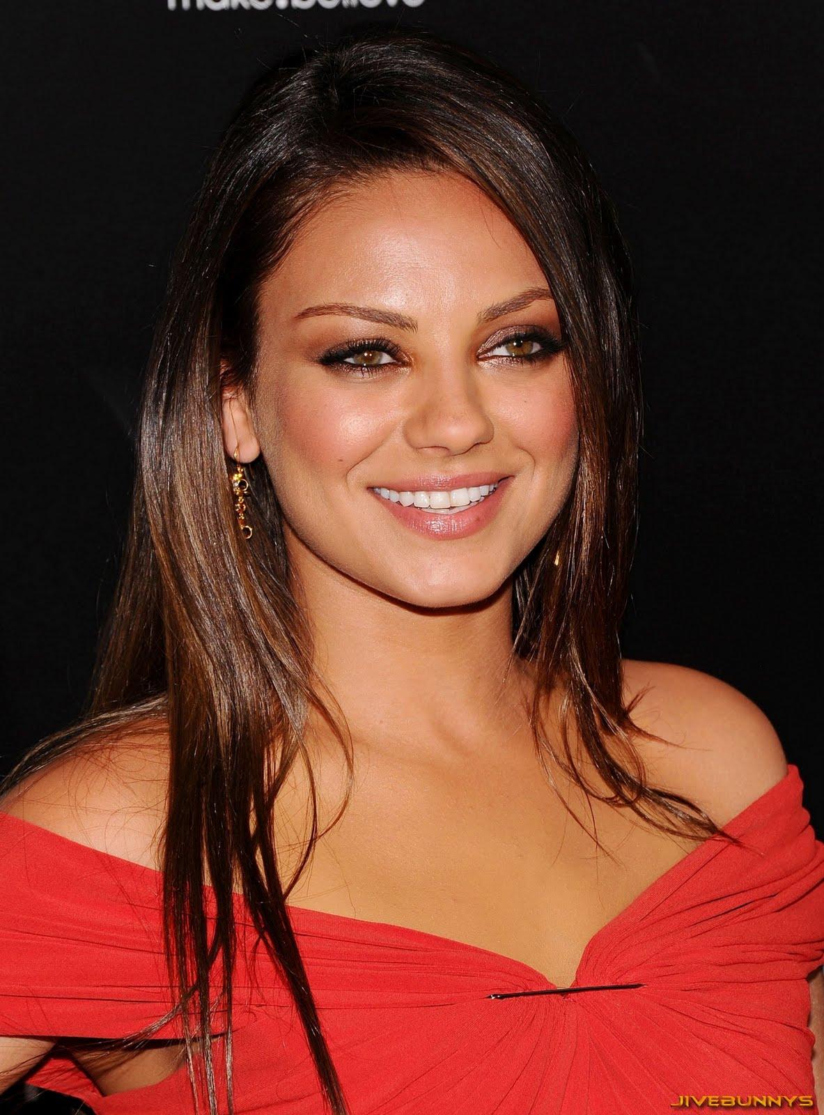 http://1.bp.blogspot.com/-ULJ9NNuQL9o/TiehBVBKAQI/AAAAAAACq_k/lFIJgkSDuK4/s1600/mila-kunis-actress-celebrities-3123.jpg