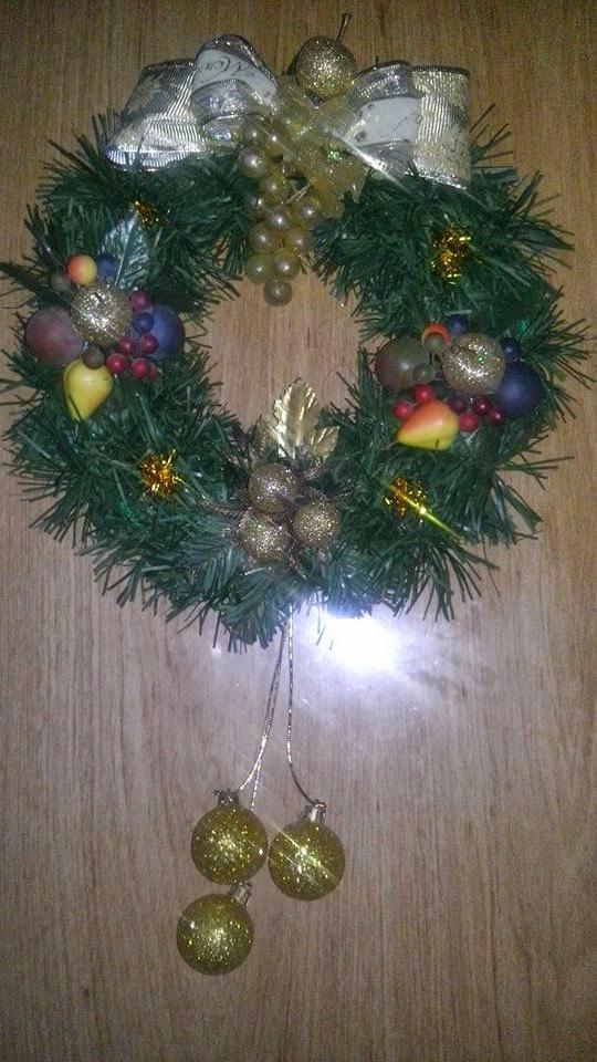 Dise os creativos y pedrer a corona navide a - Coronas navidenas faciles ...