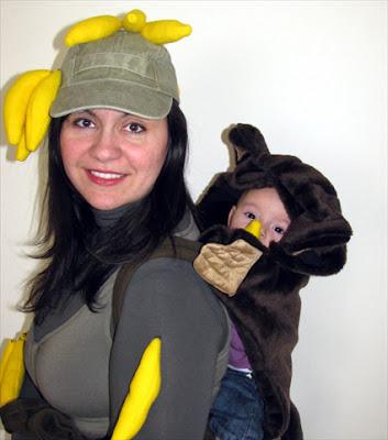 Φέτος τις Απόκριες το μωρό ντύθηκε μαϊμουδάκι!