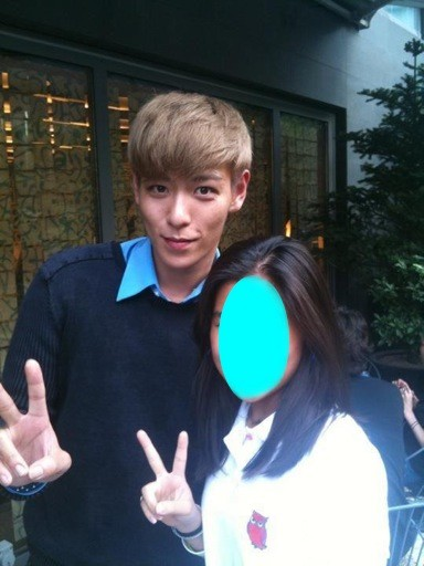 T.O.P's iCONS Top%2Bwith%2Ba%2Bfan%2B2-738299