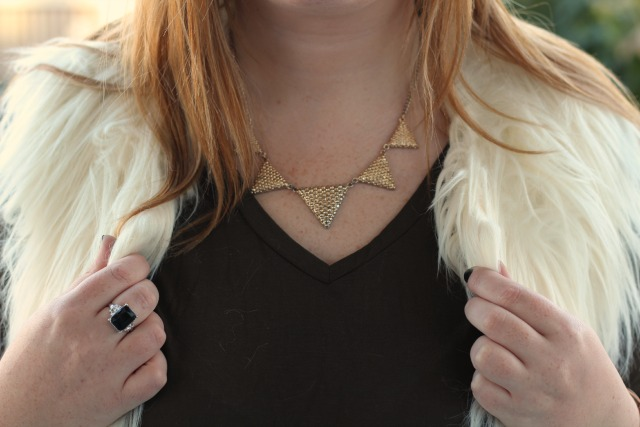 gold triangle necklace, new look, faux fur gilet, cream, white, topshop, khaki tee shirt, black and silver rings