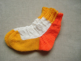 детские носочки на двух спицах без шва