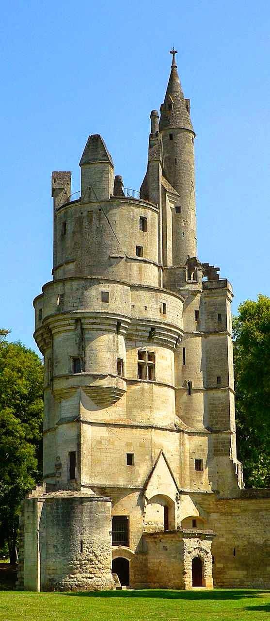 Donjon do castelo de Septmonts, Aisne, França